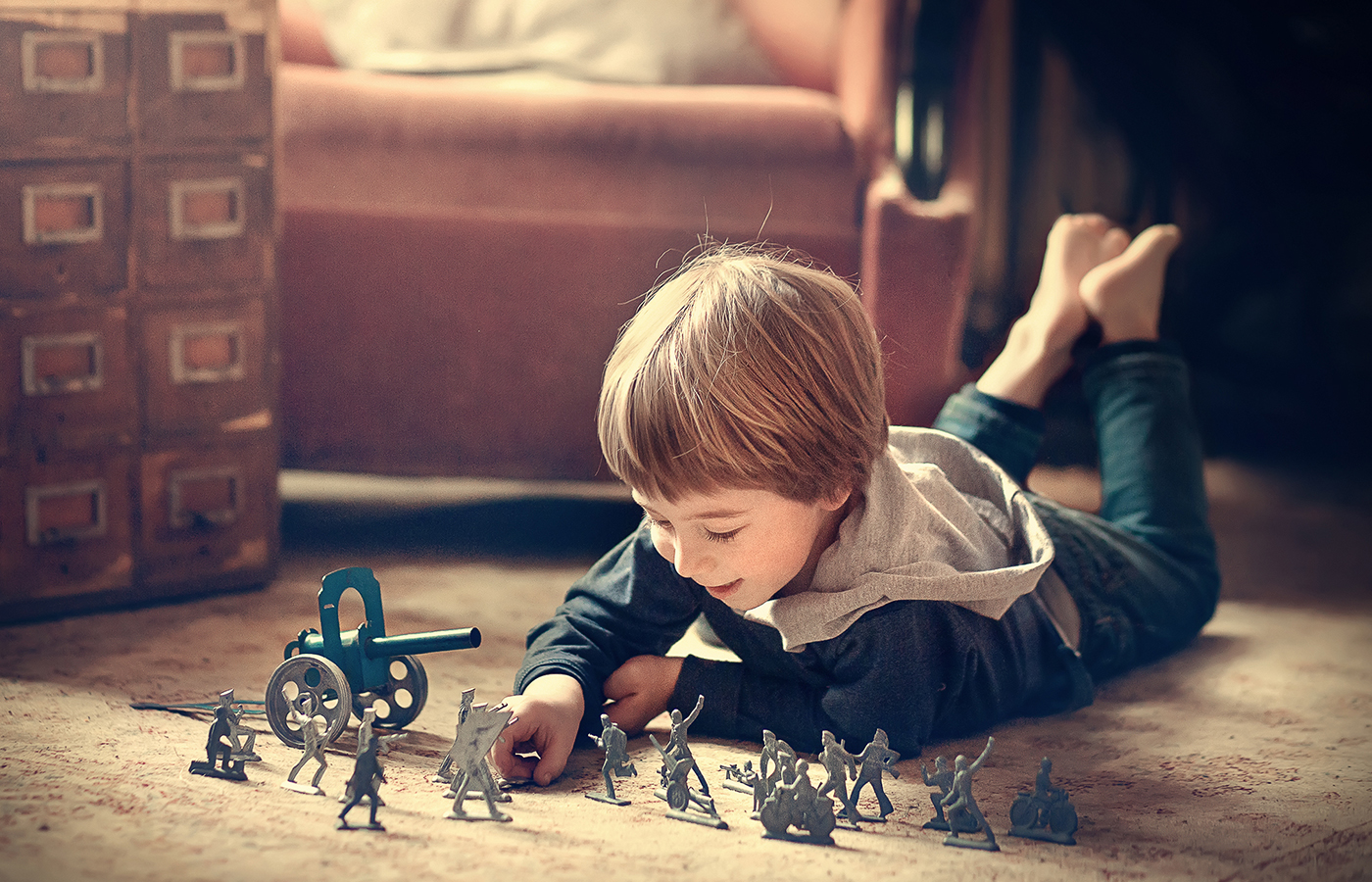 How to Teach Independent Play to Your Child