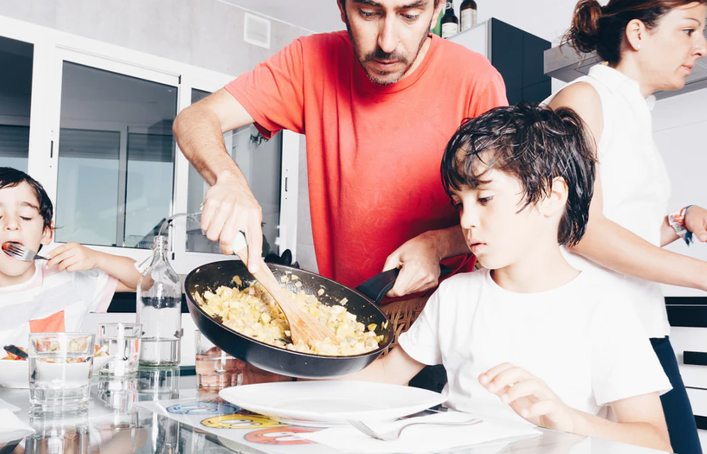 How to Navigate Picky Eaters