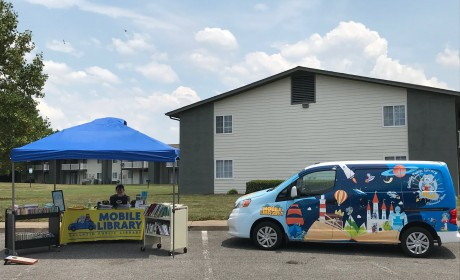 """Gallatin Public Library Starts """"Mobile Library"""" for Community"""