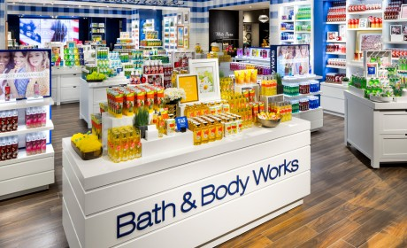 Bath & Body Works to Open Soon!