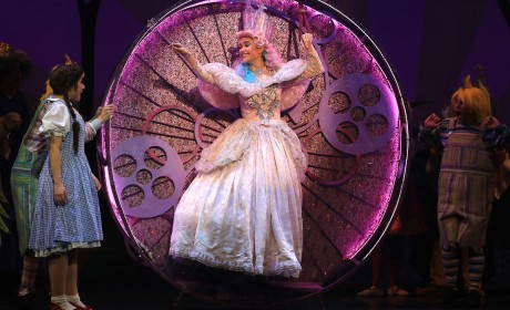 "Interview: ""Glinda"" Talks Wizard of Oz Magic"