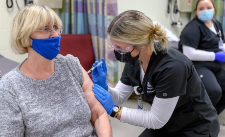MTSU Nursing Begins Administering Moderna Vaccine to Community