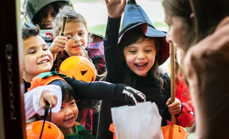 Trick-or-Treating Fun: HAPPY HALLOWEEN