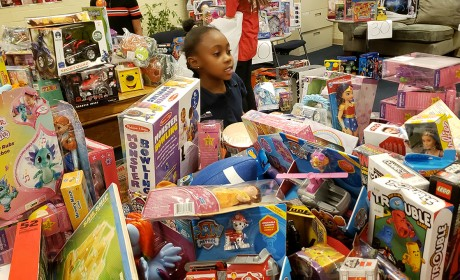 Hasbro & Charlie Rocket Deliver Toys to Families at Green Hills Mall Dec. 6