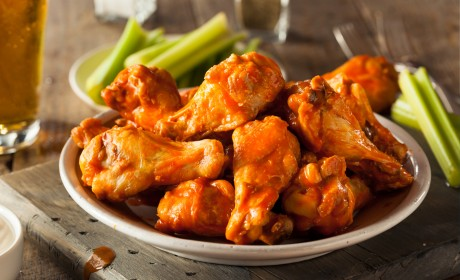 10 Tasty Super Bowl Party Foods