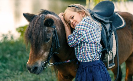Therapeutic Horse Experiences Benefit Kids