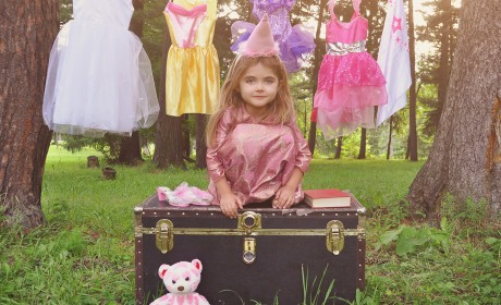 Give Imaginative Play to Your Littles