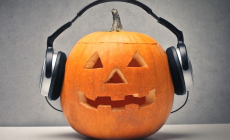 10 Halloween Songs to Share With the Kids