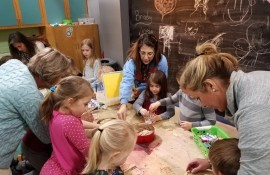 Art With Anything at Discovery Center
